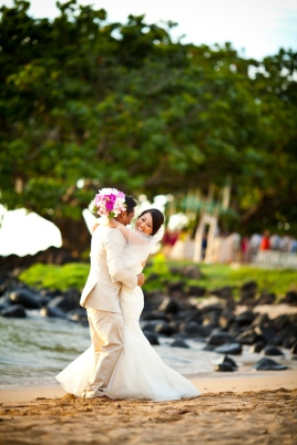 pink-wedding-in-hawaii-st-regis-princeville-resort-photos-by-dmitri-and-sandra-photography-15